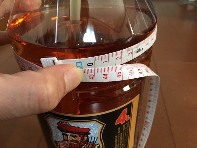 4Lペットボトルまわりのサイズ