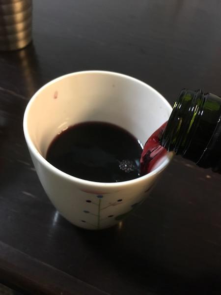 ワインを飲む器
