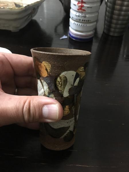 陶器のコップ