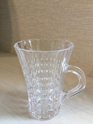耐熱性のグラス