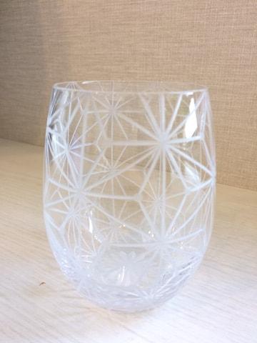 チューリップ型のグラス